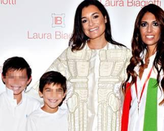 Alena Seredova mondana con i figli alla Fashion Week