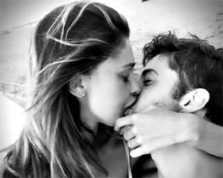 Belen, amore al bacio con Andrea Iannone