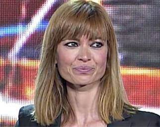 Carlotta Mantovan ritira il premio per Fabrizio Frizzi e si commuove