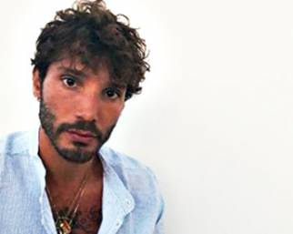Stefano De Martino, estate da single senza Amici...