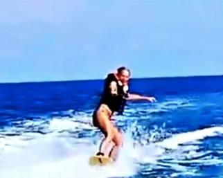 Maria De Filippi regina del wakeboard