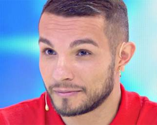 Marco Carta fa coming out in tv: 'Sono gay e felicemente fidanzato'