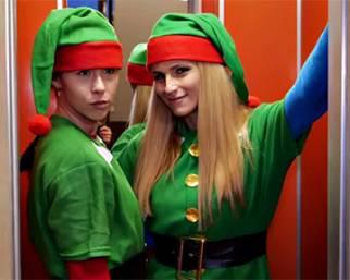 Aurora e Michelle, elfi per Natale