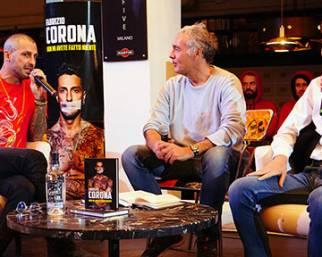 Fabrizio Corona presenta il libro con Carlos