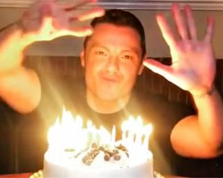 Tiziano Ferro festeggia il compleanno