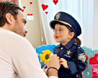 Matri e Nargi vestono Sofia da poliziotta
