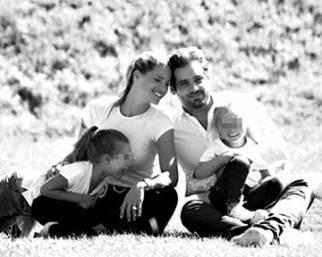 Michelle con Tomaso e le figlie al parco