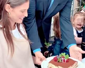 Bianca Balti festeggia con il fidanzato