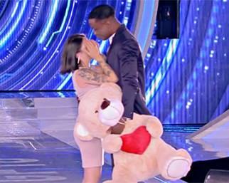 Serena Rutelli riabbraccia il fidanzato dopo un mese