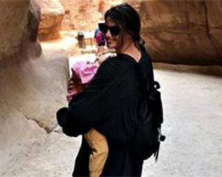 Francesca Fioretti con Vittoria in Giordania