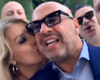 Tina Cipollari festeggia i 50 anni di Vincenzo