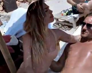 Ilary Blasi, dolce vita a Ibiza con Totti