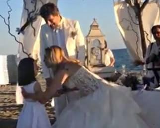Stefania Orlando e Simone Gianlorenzi, nozze in spiaggia