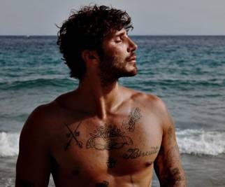 De Martino, il marito più sexy del web