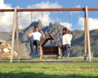 Belen e Stefano De Martino in vacanza con Santiago in montagna