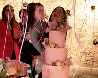 Giulia De Lellis, festa a sorpresa per i 24 anni