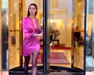Belen Rodriguez diva per la Fashion Week a Parigi