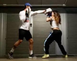 Belen, boxe con Stefano in garage