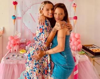 Silvia Provvedi, party a sorpresa per Nicole