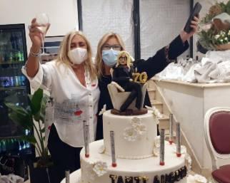 Mara Venier spegne 70 candeline