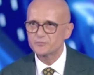 Alfonso Signorini confessa: 'Sono sordo'