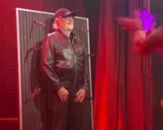 Flavio Briatore e il lancio dei coltelli