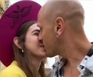 Gaia Gozzi, ecco il bacio con il fidanzato