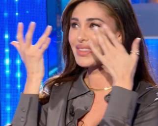 Belen Rodriguez, intervista in lacrime dalla Venier
