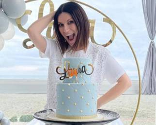 Laura Pausini, compleanno con sorpresa