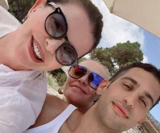 Alba Parietti e Paola Barale: vacanza a Ibiza tra donne