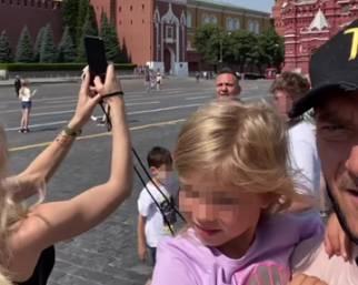 Ilary Blasi e Francesco Totti volano in Russia con i figli