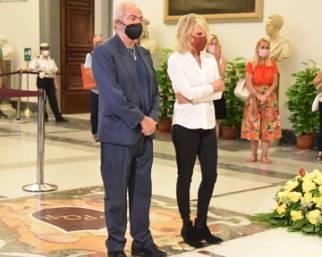 Maria De FIlippi, il saluto commosso alla Carrà