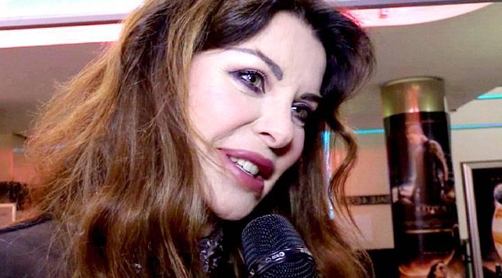 Alba Parietti Mamma Tigre E Apprensiva Boom Sul Web Gossip It